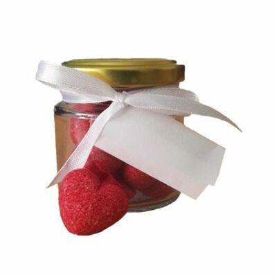 Üvegben, piros színű, szív alakú formacukor